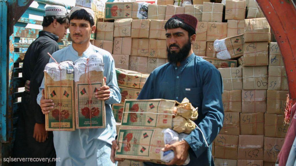 จีนมอบเงิน ช่วยเหลือ 31 ล้านดอลลาร์ให้อัฟกานิสถาน จีนได้ให้คำมั่นว่าจะให้ความช่วยเหลืออัฟกานิสถานมูลค่า 200 ล้านหยวน (31 ล้านเหรียญสหรัฐ